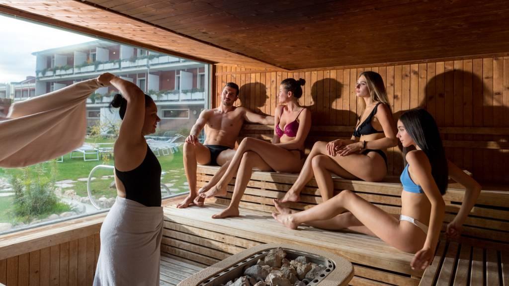 hotel-salus-terme-Viterbo-outdoor-sauna-BUK4748