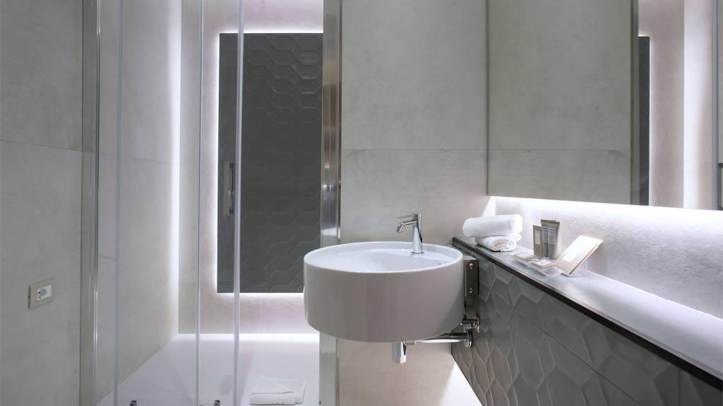 Hotel-Salus-Terme-Bagno-Suite-222-223-bagno2