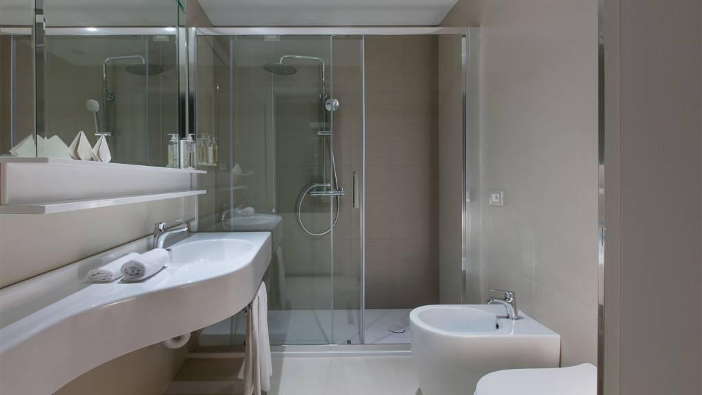 Hotel-Salus-Terme-Bagno-panoramic-superior-salus-464
