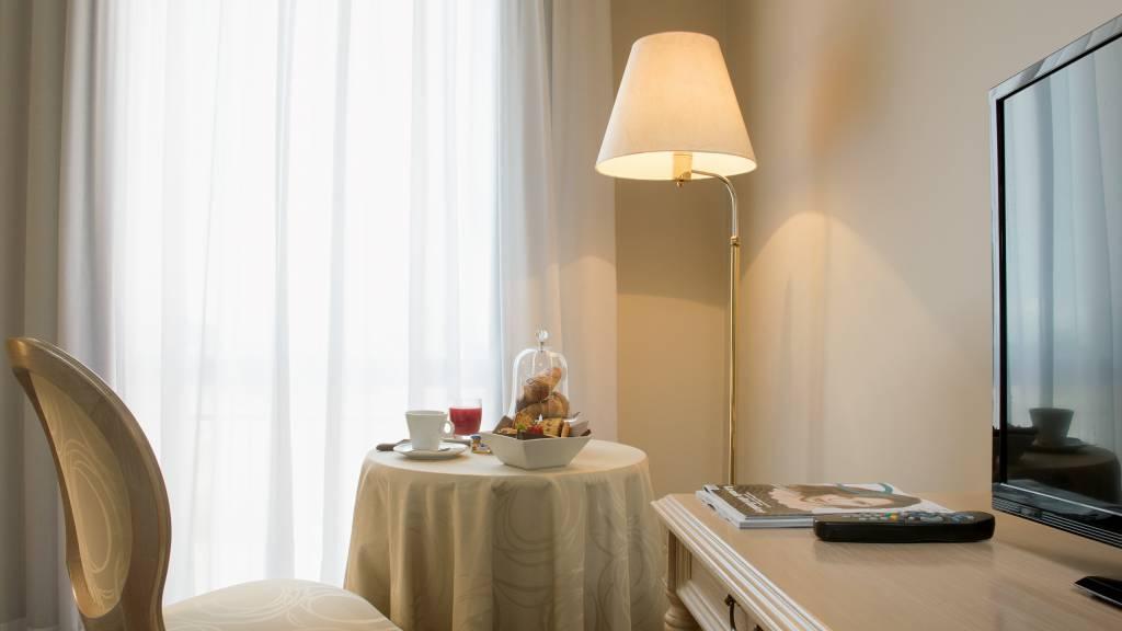 hotel-salus-terme-Viterbo-superior-room3