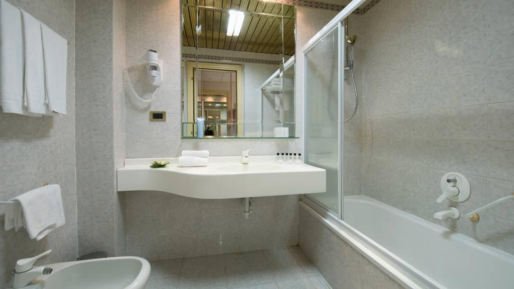 hotel-salus-terme-Viterbo-superior-room4