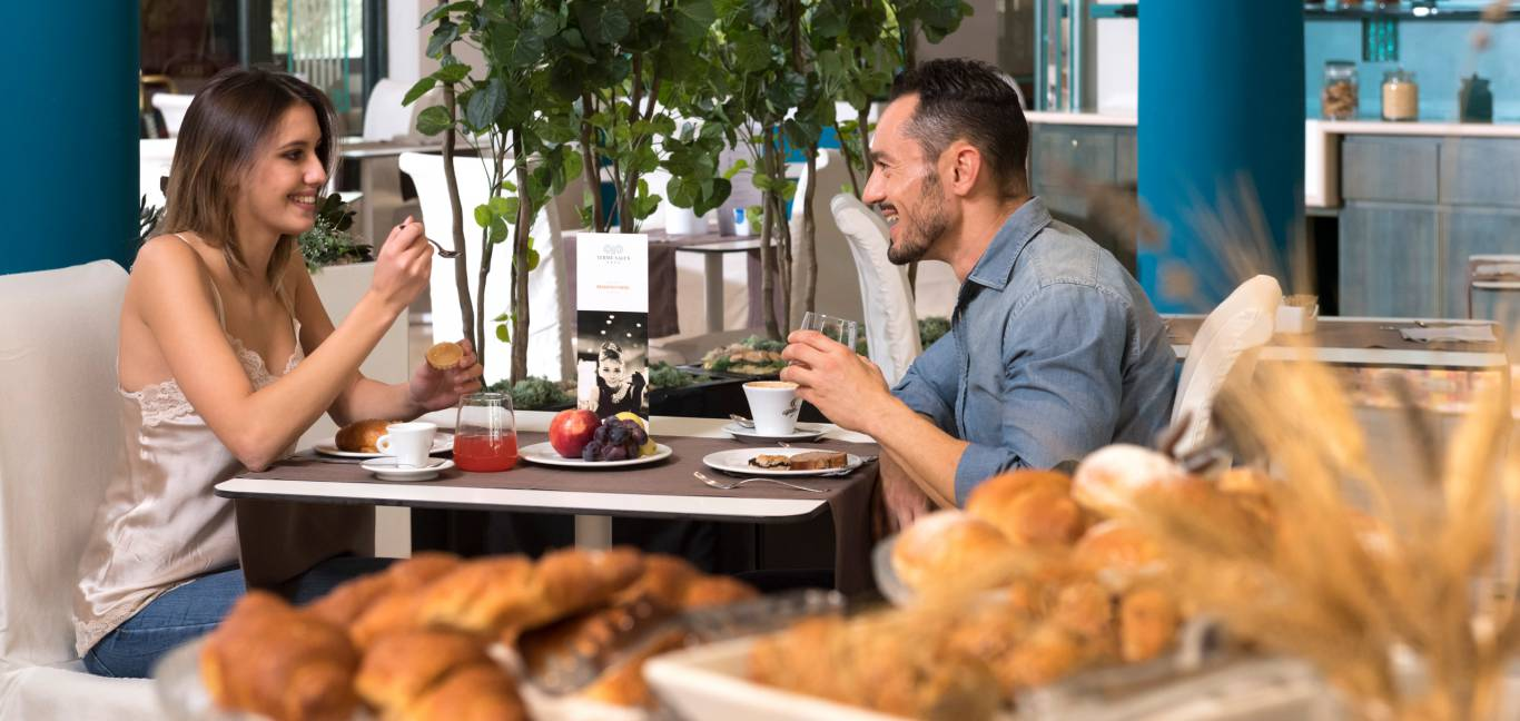 hotel-salus-terme-Viterbo-breakfast-room-BUK4555